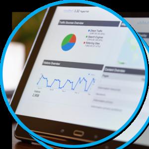 Tablet mit Diagrammen auf einer Webseite